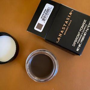Brand New Anastasia Dipbrow Pomade Medium Brown